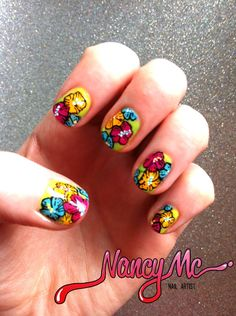 nancymcnails:    summer flowers ❀
