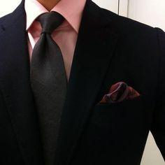 黒ネクタイ 黒ジャケット スーツ