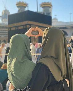 Arab Girls, Muslim Girls, Muslim Couples, Hijab Hipster, Hijab Dp, Hijabi Girl, Girl Hijab, Photographie Indie, Stylish Hijab
