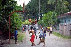 Street basketball on a Mansalay backstreet Basketball Video Games, Basketball Rules, Basketball Practice, Basketball Court, Street Game, Street Basketball, Pinoy, Vacation Spots, Philippines