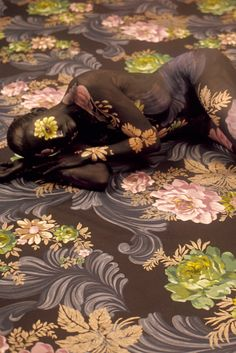 Stunning Camouflage Artist Turns The Human Body Into A Canvas