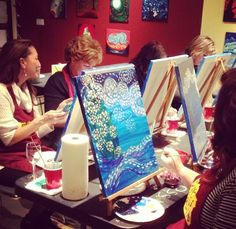 Channel your inner Picasso at Pinot's Palette this #season and create a #festive & whimsical #painting - great #gift idea!