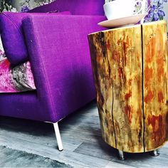 Lovely and easy DIY log table! See instructions https://www.radioaalto.fi/#!/post/569752c84180230300fc5b38