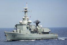 Portuguese Navy frigate NRP Bartolomeu Dias. Navy Marine, Submarines, Aircraft Carrier, Model Ships, War Machine, Present Day, Battleship, Armed Forces, Portuguese