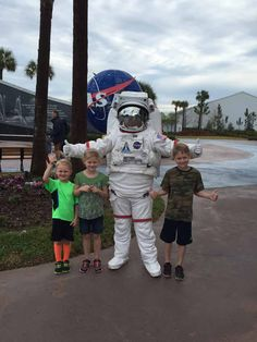 Kennedy Space Center Tips and Hacks for Families | tipsforfamilytrips.com