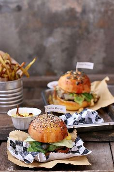 cheese burger with herb yogurt dipping sauce