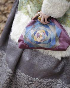 풍경한복 디자인특허 천연염색 조각 가방입니다 #풍경한복 #규방공예