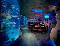 Aquarium Restaurant | Nashville, Tennessee ★★★★