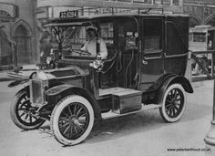 A London Motor Taxi, around 1907. Taxi-cabs are legally recognized in Britain for the first time.