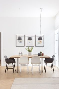 Appartamento FA | 07am Sala Grande, Italy House, White Apartment, Hippie Home Decor, Dining Table Chairs, Dining Rooms, Tables, Space Architecture, Interior Design Inspiration