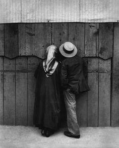 YOUNG KERTÉSZ & YOUNG HUNGARIANS André Kertész: Peeper, Budapest, 1920