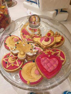 Sailor Moon' biscuits Sailor Moon Party, Sailor Moon S, Biscuits, Crack Crackers, Cookies, Cookie Recipes, Biscuit