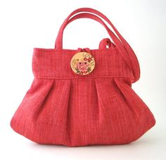 This cool,SEXY AND hard to miss bag is for you , the one that appreciate super modern hot shape and will never compromise on the quality of good