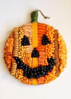 Halloween Food For Party, Halloween Birthday, Halloween Party Decor, Holidays Halloween, Easy Halloween, Halloween Treats, Halloween Pumpkins, Halloween Costumes, Women Halloween