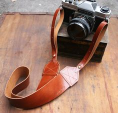 Leather Camera Strap in Warm Chestnut Retro Handcrafted Unique by Magpie Accessories