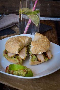 Das perfekte Mittags Gericht - Lunch im Büro - Bagelrezept: TeriyakiChicken Guacamole Bagel Burger