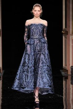 [[MORE]]Ziad Nakad Haute Couture Spring Summer 2017 Colletion Source Haute Couture Gowns, Style Couture, Couture Dresses, Couture Fashion, Beautiful Evening Gowns, Beautiful Dresses, Nice Dresses, Evening Dresses, Short Dresses