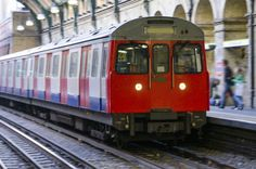 Earlier, it had been just like any other commute in London for Buckland � he was stuck on a busy, delayed train on the District line, surrounded by tourists with suitcases, grumpy commuters, and schoolkids. | Here�s Why You Should Never Be Rude To Strangers On Public Transport