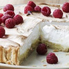 Lemon pie with raspberry Danish Dessert, Danish Food, Sweet Pie, Sweet Tarts, Sweets Cake, Cookie Desserts, Cake Recipes, Dessert Recipes, Pie Dessert