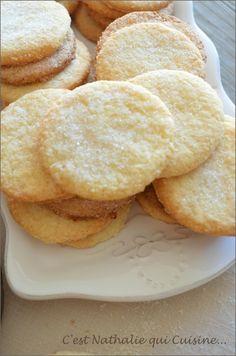 Saveur coco !! Miam! C'est en passant chez Sophie du blog Maison Joséphine que je suis tombée sur cette recette!! Je me régale avec les délicieuses recettes de Sophie ! Ces biscuits au bon goût de coco ressemblent terriblement aux galettes coco qu'il...