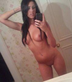 Laura teen big tits selfie