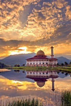 Dural Quran Mosque, Kuala Kubu Bharu, Hulu Selangor, Malaysia