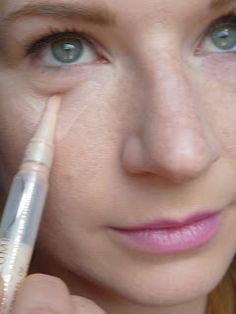 Makeup and Mocha Mint: How to conceal dark under eye circles