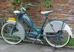 My Dad had such a Berini in Nostalgia Classic Motors, Classic Bikes, Vintage Moped, Small Motorcycles, Powered Bicycle, Motorised Bike, Motorcycle Engine, Vespa Scooters, Small Engine