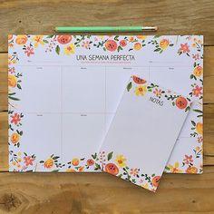 Nuestro planificador semanal más primaveral tiene un bloc de notas a juego. Rodéate de cosas bellas y atraerás a la inspiración.