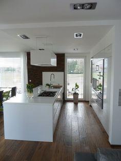 Finde moderne Küche Designs: Die Wünsche einer Kundin. Entdecke die schönsten Bilder zur Inspiration für die Gestaltung deines Traumhauses.