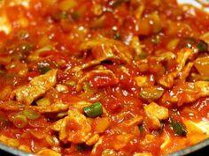 Katův šleh s bramboráčky Chili, Brunch, Soup, Treats, Ethnic Recipes, Sweet Like Candy, Goodies, Chile, Soups