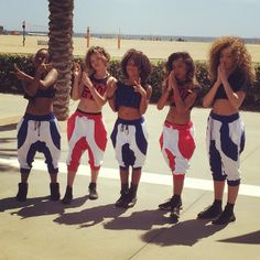 Just grooving on the beach #flavahzcrew#santamonica#cali-life️️️
