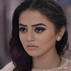 Helly Shah, Jennifer Winget Beyhadh, Diamond Earrings, Pearl Earrings, Unique Facts, Tv Actors, Most Beautiful Women, Make Up, Actresses