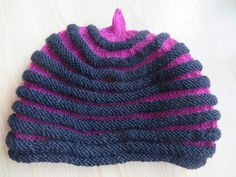 StickFia: Dragspelsmössa Knitted Animals, Knitted Hats, Mitten Gloves, Mittens, Crochet Baby, Knit Crochet, Textiles, Scarves, Beanie