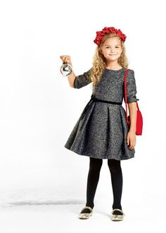 Vestido para niña Little Girl Outfits, Little Girl Fashion, Toddler Outfits, Outfits Niños, Kids Outfits, Fashion Kids, Cute Dresses, Girls Dresses, School Dresses