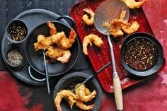 Deep-fried battered prawns with sweet chilli sauce. Serve up these prawns as a starter at your next party and we guarantee there won't be any leftovers. Asian Recipes, Ethnic Recipes, Chinese Recipes, Prawn Recipes, Chinese Food, Asparagus Fries, Twisted Recipes, Poached Chicken, Sweet Chilli Sauce