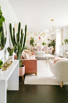 Laura's Front Room Refresh (Before + After!) (A Beautiful Mess) Home Design, Home Interior Design, Diy Bedroom Decor, Living Room Decor, Home Decor, Aesthetic Room Decor, Apartment Living, Home And Living, Beautiful Mess