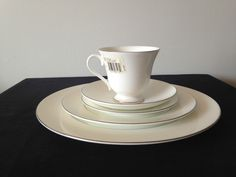 5 PIECE PLACE SETTING OF WEDGWOOD SIGNET PLATINUM