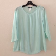 New top New without tags. Never worn, never washed. 100% Cotton. 3/4 sleeves Proy Fashion Tops