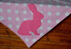 http://wolesoke.blogspot.fi/2012/01/simple-silhouette-applique-for-baby.html