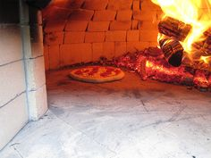 Build a Backyard Wood-Fired Pompeii Oven - Diy Pizza Oven Outdoor Kitchen Bars, Pizza Oven Outdoor, Backyard Kitchen, Outdoor Cooking, Outdoor Kitchens, Outdoor Spaces, Outdoor Living, Outdoor Bars, Modern Backyard