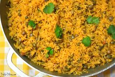 There's nothing more quintessentially Puerto Rican than arroz con gandules. Get this amazing authentic Puerto Rican recipe now on Delish D'Lites. *includes a link to sofrito! Pea Recipes, Dinner Recipes, Cooking Recipes, Rice Recipes, Recipies, Dinner Ideas, Puerto Rican Recipes, Cuban Recipes, Spanish Recipes
