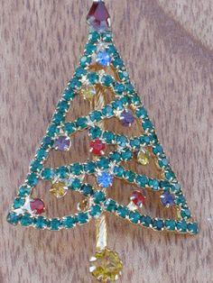 Vintage Christmas Tree Brooch by VintageJunqueBox on Etsy, $25.00