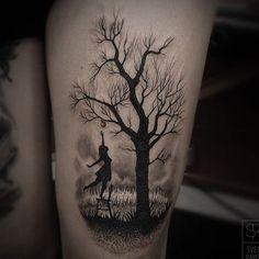 Home - tattoo spirit - , In the international tattoo scene, tree motifs do not exactly belong to the mass goods category. Home Tattoo, Tattoo Life, Bild Tattoos, Leg Tattoos, Body Art Tattoos, Sleeve Tattoos, Tree Tattoo Arm, Tattoo Henna, Trendy Tattoos