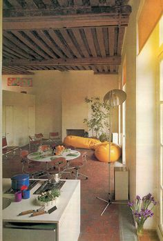 Charming Bohemian Home Interior Design Ideas 80s Interior Design, Mid-century Interior, Home Design Decor, Interior Architecture, House Design, 1980s Interior, Estilo Retro, Vintage Interiors, Home Decor Signs