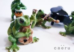 タイ陶器セラドン焼き カエルの楽隊セット