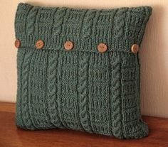 i really want one of these! maybe i can re-purpose an old sweater...