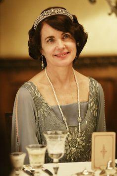 Gorgeous Lady Cora in Downton Abbey, S4E3