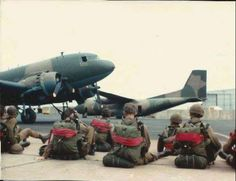 Military Life, Military Art, Army Pics, Army History, South African Air Force, Parachute Regiment, Paratrooper, African History, Armed Forces