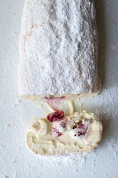 Milk and Honey: Marshmallow Pavlova Roulade with Lemon Curd Mascarpone and Raspberries this too needs a vegan trial! Köstliche Desserts, Delicious Desserts, Dessert Recipes, Yummy Food, Plated Desserts, Cupcakes, How Sweet Eats, Cookies Et Biscuits, No Bake Cake